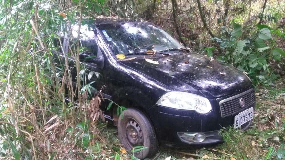 veículo rouado em santa cruz