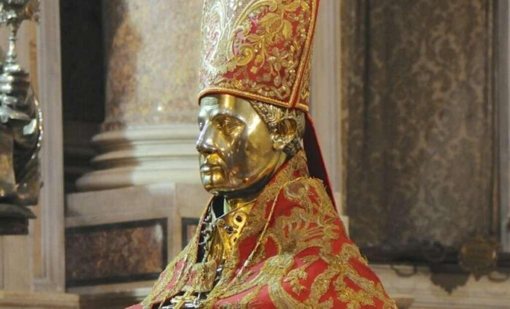 Milagre da liquefação do sangue de São Gennaro não se repete na Itália