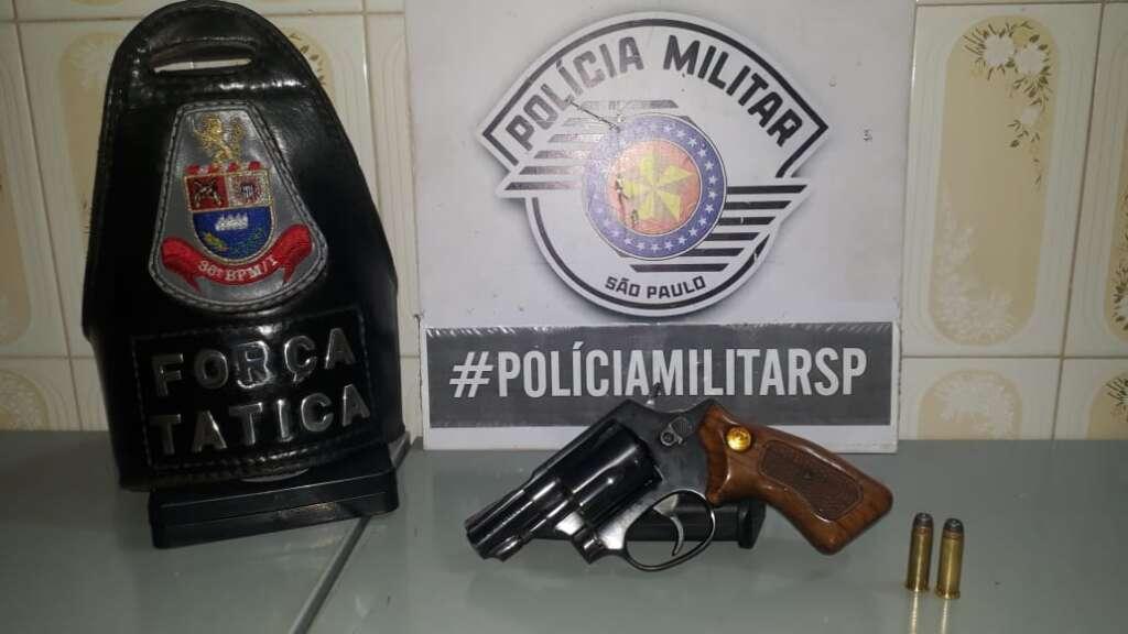 Arma e munição apreendida pela Polícia Militar