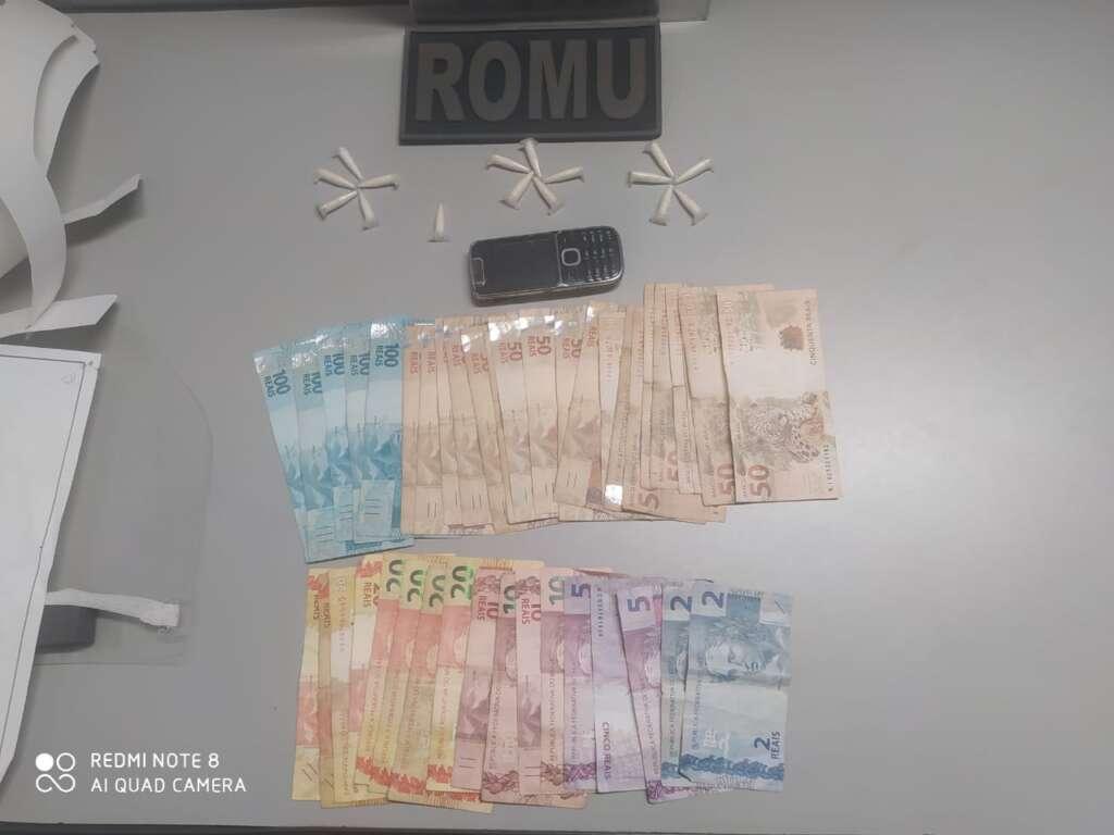 """GCMs da ROMU de Pirassununga prende """"Suco de Frutas"""" com drogas e dinheiro"""
