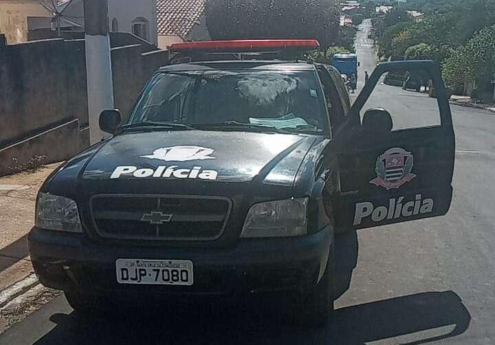"""Após violência doméstica, homem tenta engrossar """"caldo"""" com a polícia e acaba preso"""