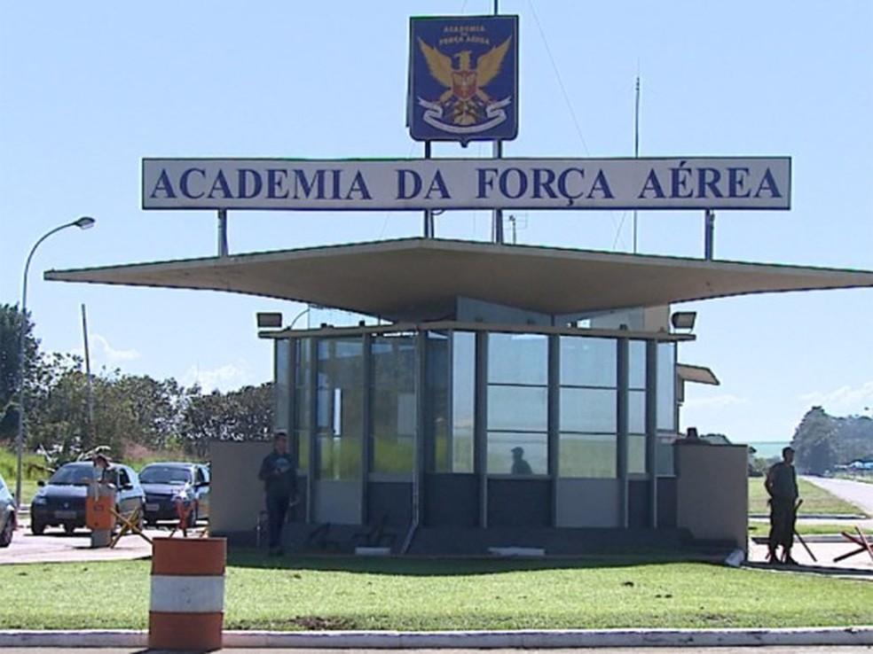 academia da força aérea Pirassununga