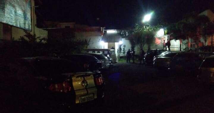"""Força de Segurança de Pirassununga coloca fim a """"pagode"""" e lacra área de lazer"""