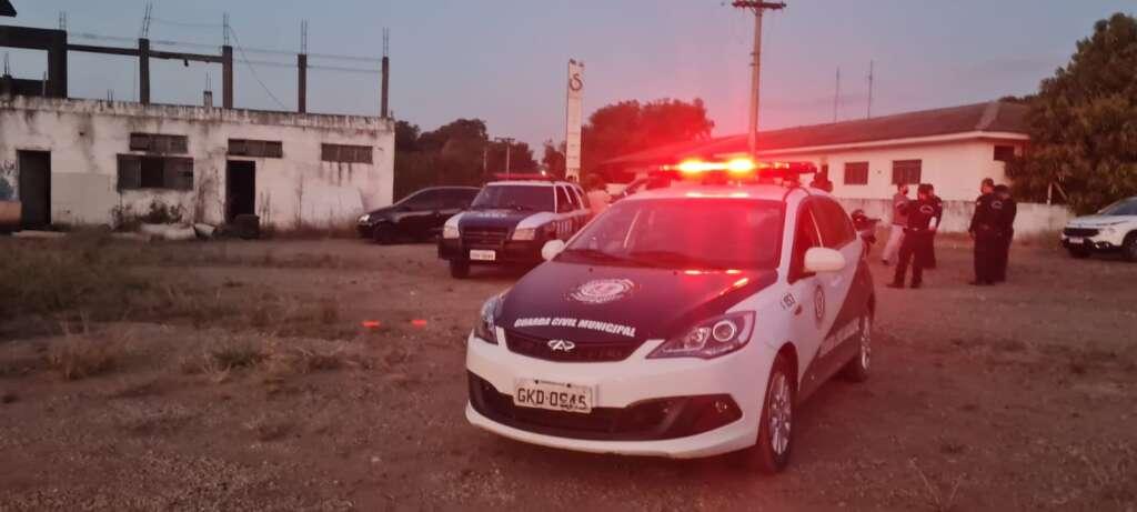 Homens são detidos pela GCM por suspeitas de furto em área pertencente ao município