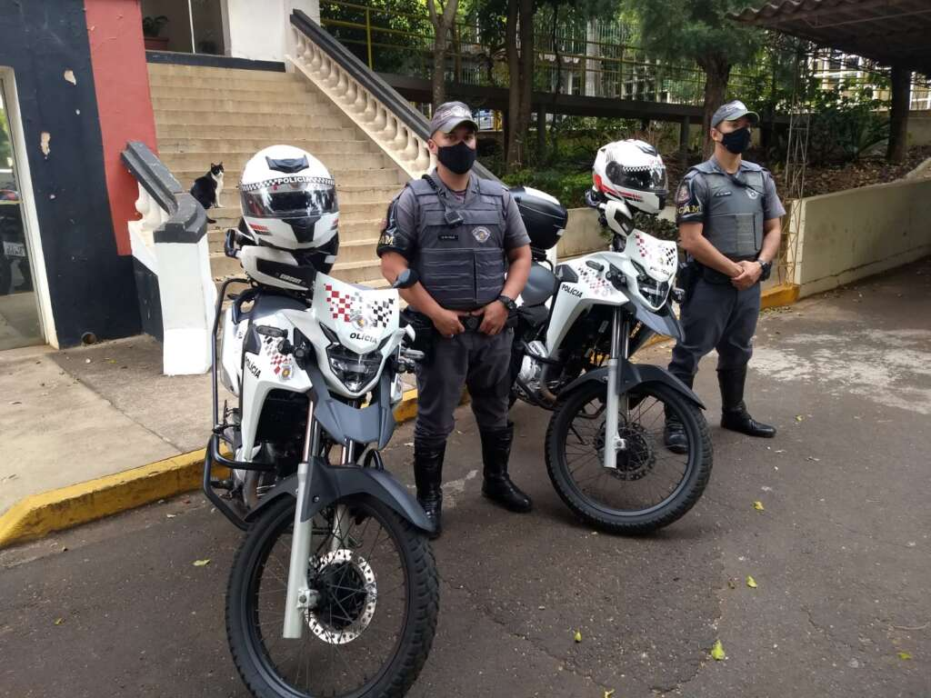 Policiais Militares da ROCAM de Pirassununga prende foragida da Justiça